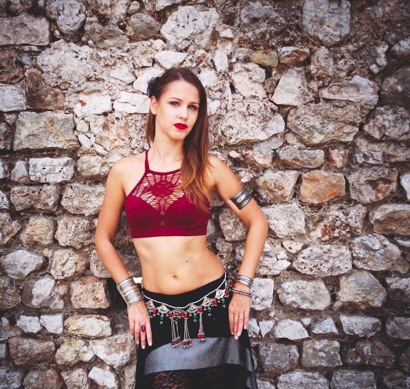 Elisa lhortolat - professeure de danse à nice-min